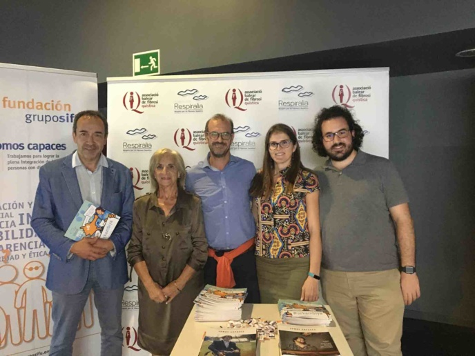 "Deputy of the Balearic Parlaiment, Mr. Juan Manuel Gomez of Citizens partie, in presentation of the film ""Five feet apart"" about  Cystic Fibrosis"